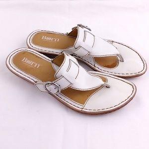 Born sz 7 White Buckle T Strap Sandals Sh49